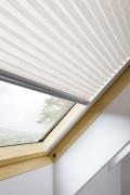 Fakro plisovaná roleta APS II pro střešní okno