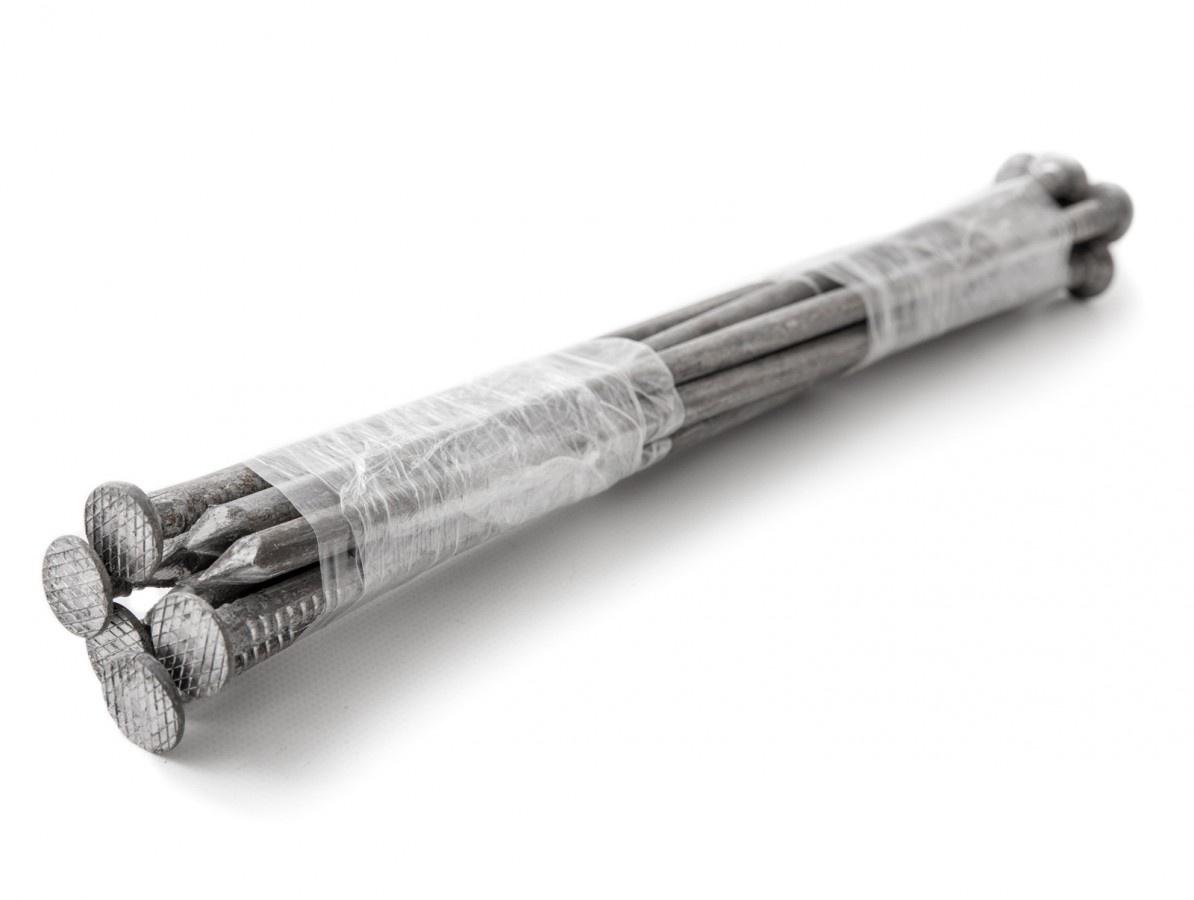 Gutta kovový kotvící hřeb pro neviditelný obrubník